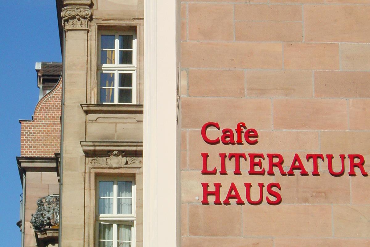"""Vom """"Sündenpfuhl"""" zur Kulturmeile. Das Literaturhaus hat zum Wandel der Luitpoldstraße entscheidend beigetragen,"""