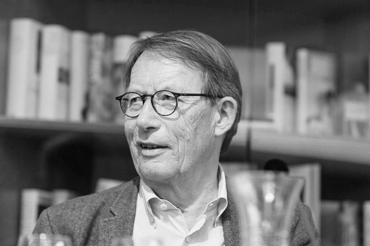 """Friedrich Christian Delius liest aus """"Die Liebesgeschichtenerzählerin"""". © Joachim Hauser"""