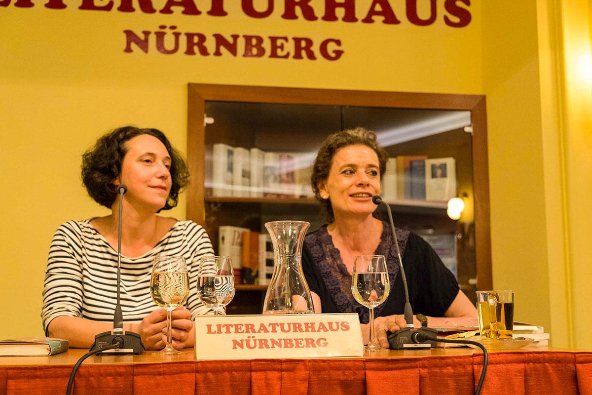 Lucy Fricke, Bayerische Buchpreisträgerin 2018, mit Elisabeth Zeitler-Boos am 15. Juni 2018. © Joachim Hauser